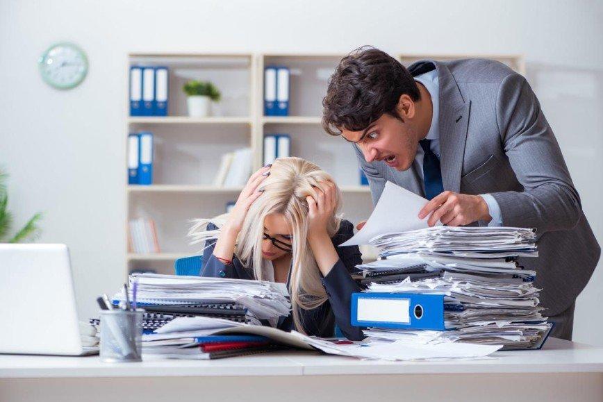 Деньги или спокойствие: когда нужно уходить от несносного босса, наплевав на зарплату