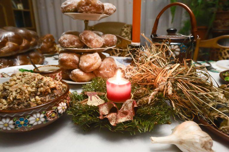 Накрываем рождественский стол по всем правилам