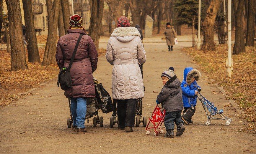 Посмотри на маму, посмотри на папу: чему ребенок научится не из книг, а у своих родителей