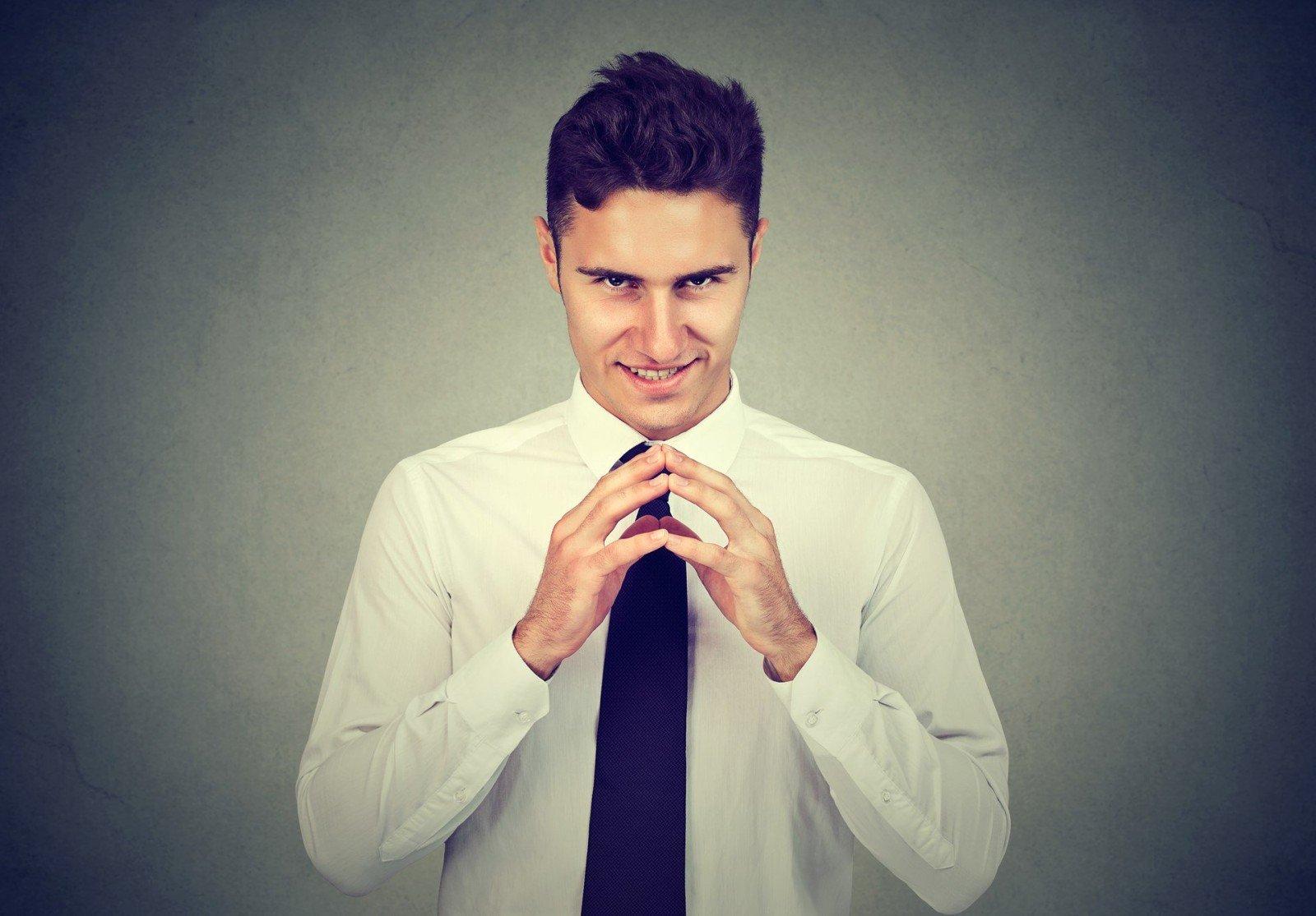Осторожно, мужское коварство! Как распознать манипуляцию в отношениях (и обезвредить)