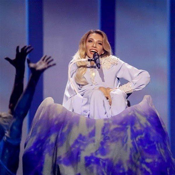 «В караоке лучше поют»: в сети обескуражены провалом Юлии Самойловой на «Евровидении»