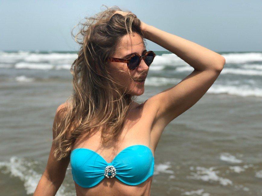 «Скромнее надо быть»: Юлии Ковальчук посоветовали тщательнее прикрывать грудь