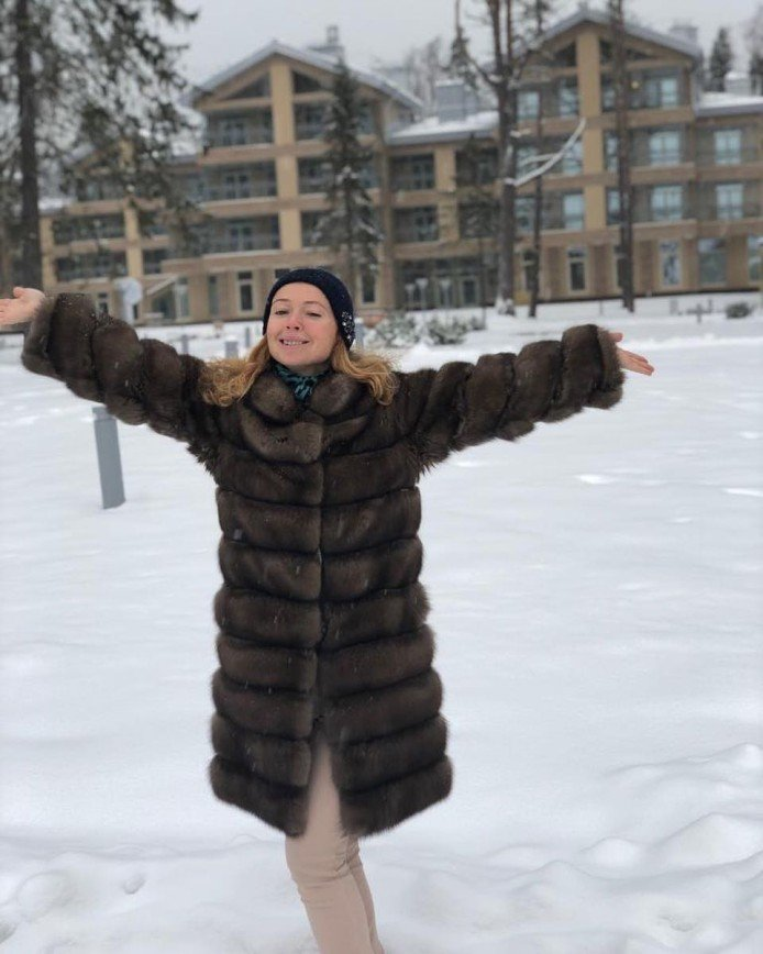 43-летняя Елена Захарова предстала без макияжа