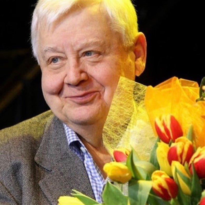 «Никуда вы не ушли... Тут, с нами!»: артисты скорбят по ушедшему Олегу Табакову
