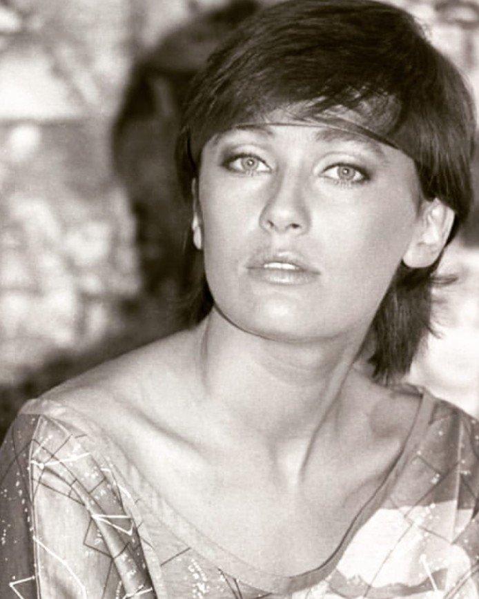 «С вас картины писать надо»: поклонники восхищены фото 30-летней Ларисы Гузеевой