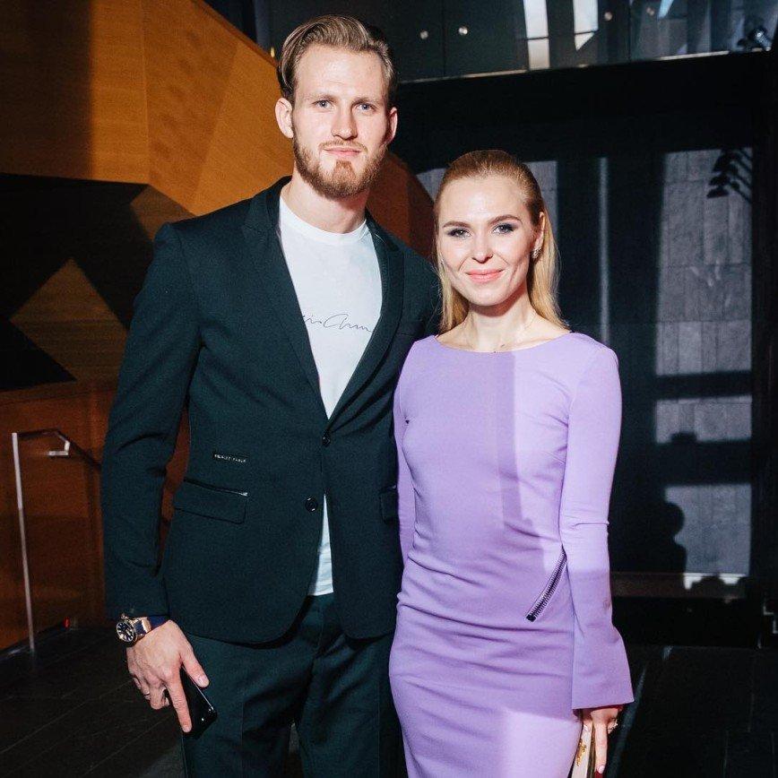 «Будто медовый месяц»: Пелагея продемонстрировала идиллию с мужем