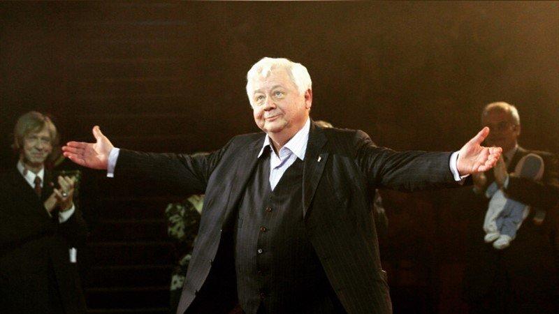 Без вспышек и любопытных глаз: отпевание Олега Табакова будет закрытым