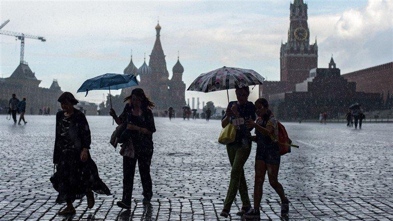 В Москве на смену теплу придут затяжные дожди