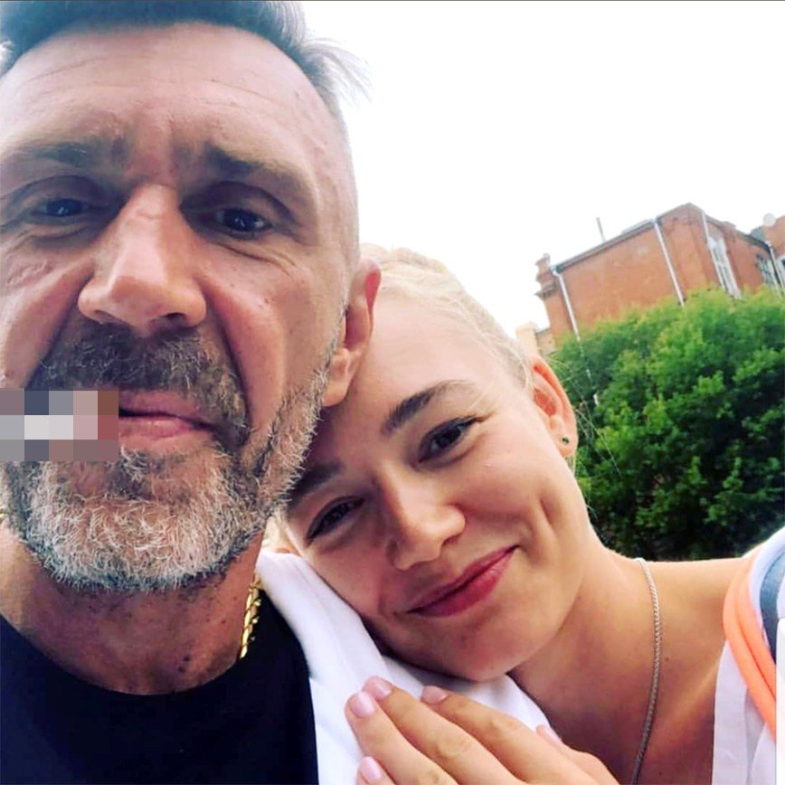 Сергей Шнуров и Оксана Акиньшина вызвали ажиотаж совместным селфи