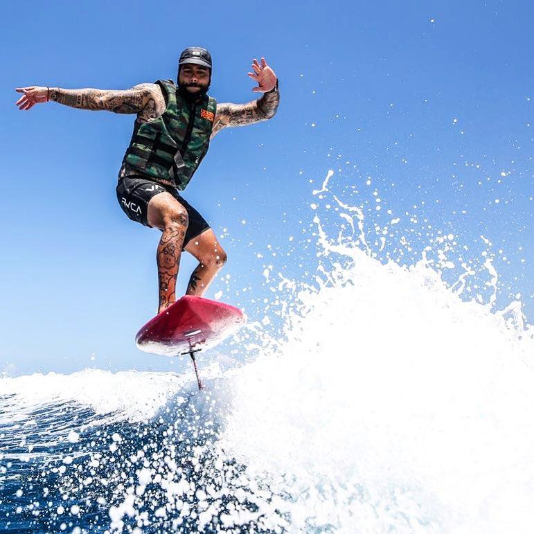 Тимати рискует жизнью, осваивая новый вид спорта