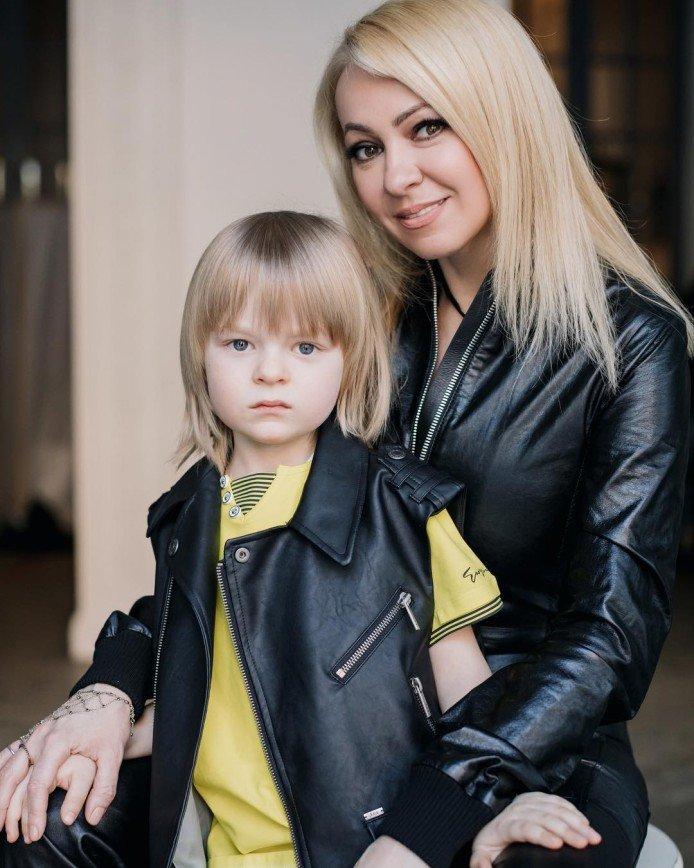 «Это личное дело семьи»: Собчак вступилась за Яну Рудковскую