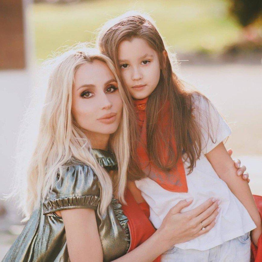 Дочка Светланы Лободы не узнала ее после гастролей