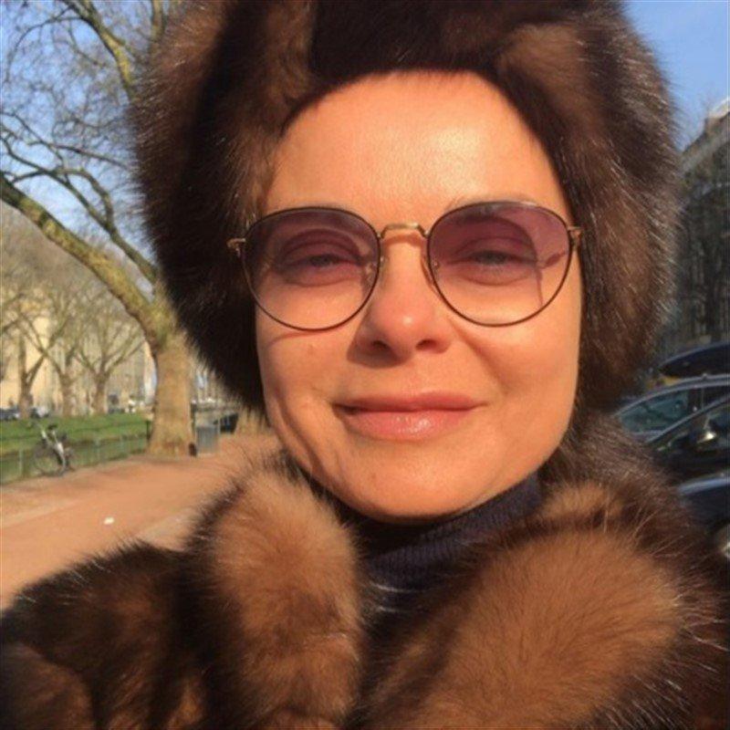 «Директор гастронома»: шапка и шуба из соболя состарили Наташу Королеву