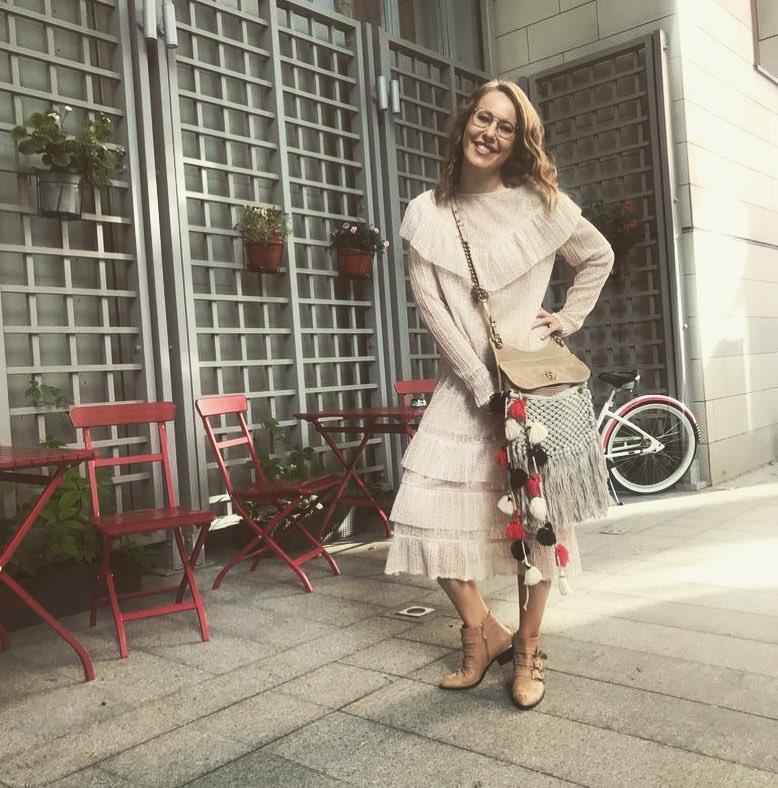 «Обеих не красит»: Ксения Собчак и Полина Гагарина носят одинаковые платья