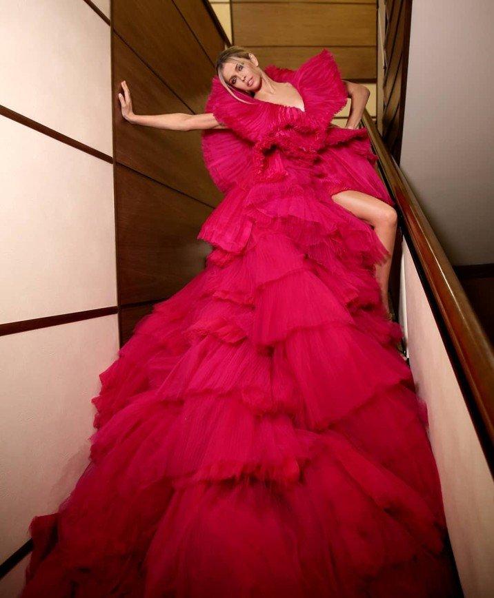 «Красота платья затмила Веру»: наряд Брежневой удивил ее поклонников