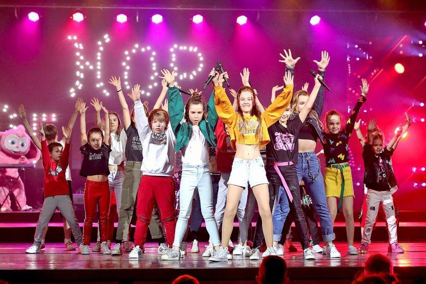 Полина Гагарина, Денис Клявер и Денис Майданов поздравили детский хор «Великан» с десятилетием