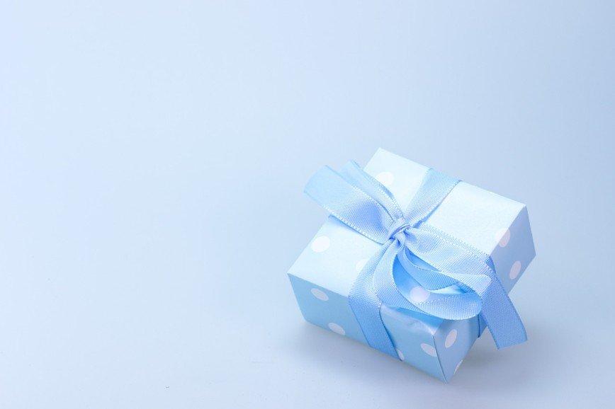 Любовь, подарки и неприличная жадность