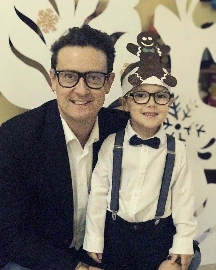 Станислав Ярушин нарядил сына на утренник в костюм пряника