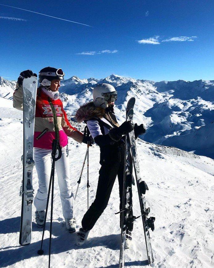 «Синяков много набила?»: Алла Михеева показала свои падения на горных лыжах