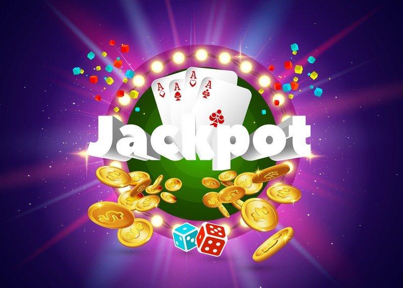 Все люди разные, и для каждого человека понятие «азарт» означает что-то свое. Кто-то при слове «азарт» слышит звон монет и шелест купюр, кто-то представляет безудержное веселье, кто-то чувствует удар адреналина и кипение крови. Конечно, чаще всего слово «азарт» ассоциируется с играми и сопряжено с возможностью получить и потерять деньги. Самой распространенной и популярной реализацией желания риска являются игровые автоматы, непревзойденные фавориты азартных игр в глазах ценителей из нашей страны и зарубежья. Раньше игровые автоматы встречались повсеместно, но в связи с принятием закона, запрещающего азартные развлечения, они полностью переехали в сеть, на соответствующие сайты, и теперь известны как видео-слоты. Особой заслуженной популярностью среди игроков нашего отечества и стран Содружества пользуются игровые автоматы Вулкан, за которыми можно коротать часы с пользой и удовольствием. Действительно, кто откажется от получения немалого выигрыша, да еще и таким приятным путем?  [b]Преимущества видео слотов[/b]  Игровые автоматы, в изобилии представленные на страницах виртуального казино Вулкан, имеют достойный список преимуществ и положительных моментов. Рассмотрим самые ощутимые:   - Увлекательность  - Разнообразие сюжетов  - Высокий шанс выпадения выигрышной комбинации  - Удобный, простой и приятный процесс игры  - Частое пополнение видео-слотов новыми вариантами программ  Популярность игровых автоматов обуславливается простотой игры в них и возможностью получения почти мгновенного результата. Правила игры интуитивно понятны, так что даже человек, далекий от мира казино, сможет реализовать свою потребность в выплеске азарта.  [b]Особенности и плюсы у игрового зала Вулкан[/b]  К клиентам игрового клуба Вулкан относятся со всем пониманием и уважением. Не беря во внимание количество ваших денег. Даже при бесплатном режиме игры [url=http://777-cazino-wulkan.net/igrat-na-dengi/]сайт 777[/url] предоставляет своим клиентам индивидуальные кредиты. Тем самым казино обесп