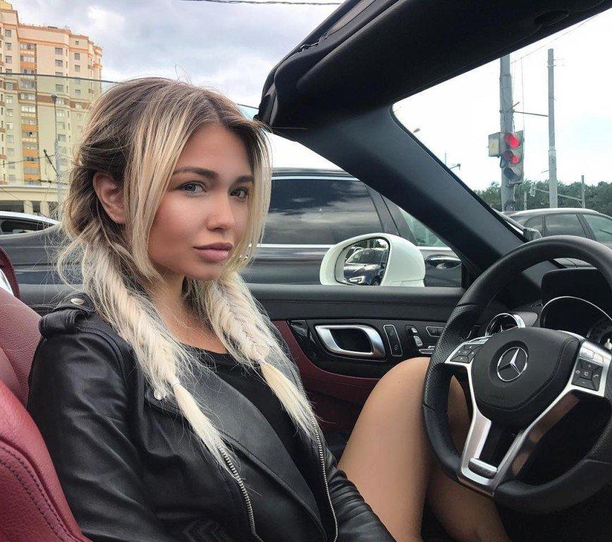 Настя Кудри снимет клип об аварии, в которой лишилась пальцев