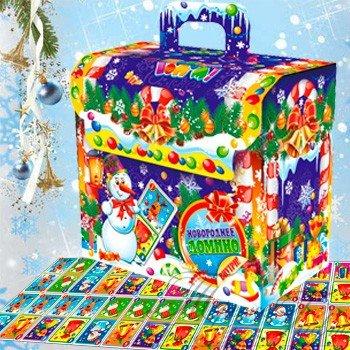 Новогоднее домино (Вес 800 гр., цена 380 руб.) Великолепный новогодний подарок Новогоднее домино, скрасит зимние уютные семейные вечера! Как приятно заварить вкусный ароматный чай зимним выходным вечером. Забраться на мягкий диван и, попивая чаёк прикуску с вкуснейшими конфетками, поиграть с любимым семейством в домино! Счастья и благополучия в Ваш дом!