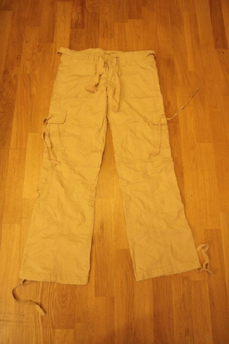Хлопковые брюки Hollister. Новые. Размер 42/44рос Цена 500 руб.