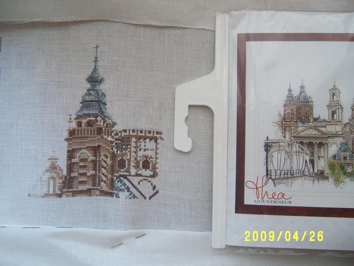Вот, собственно, и начала я шить мою мечту - Амстердам от Теи Гувернер. Шью по набору, на льне, старт дан в середине марта, шью медленно и с чувством, с толком, с расстановкой.