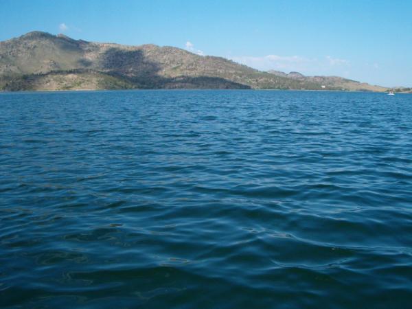 вода...много воды :)