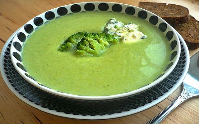 Суп-пюре из брокколи со сливками - Easydineru