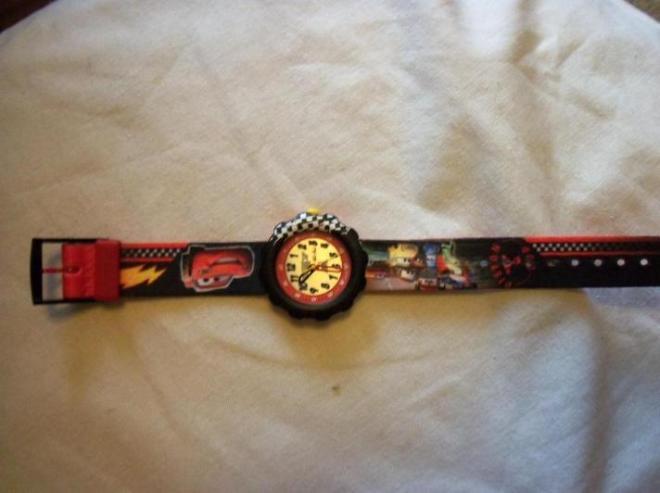 Часы в состоянии новых, подарили ребенку в надежде отучить от электронных, не носит. Обмен 4000, продажа 2000