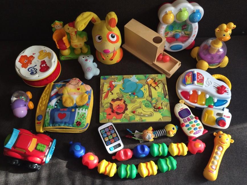 Самые лучшие игрушки от 6 месяцев. Продам пакетом 3000р. Или по отдельности по договоренности.