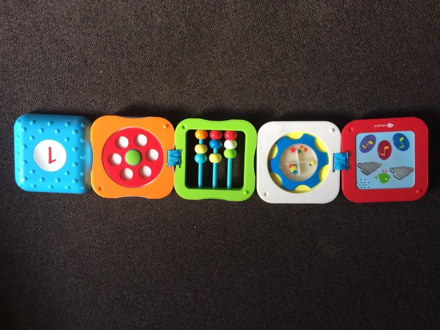 Музыкальная игрушка известной фирмы, иманжинариум. Собирается в кубик, удобно брать в дорогу, занимает мало места. 400р.