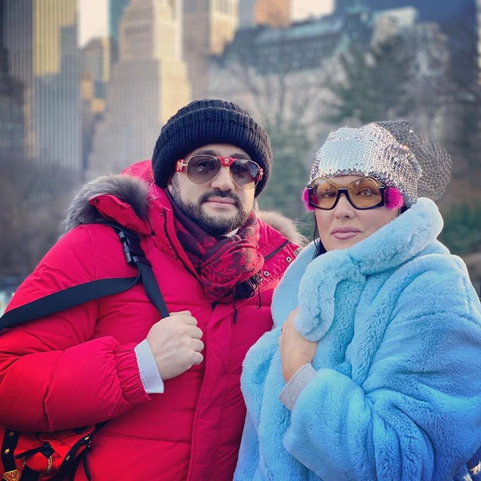 Сама изолировалась: Анна Нетребко госпитализирована с коронавирусной пневмонией