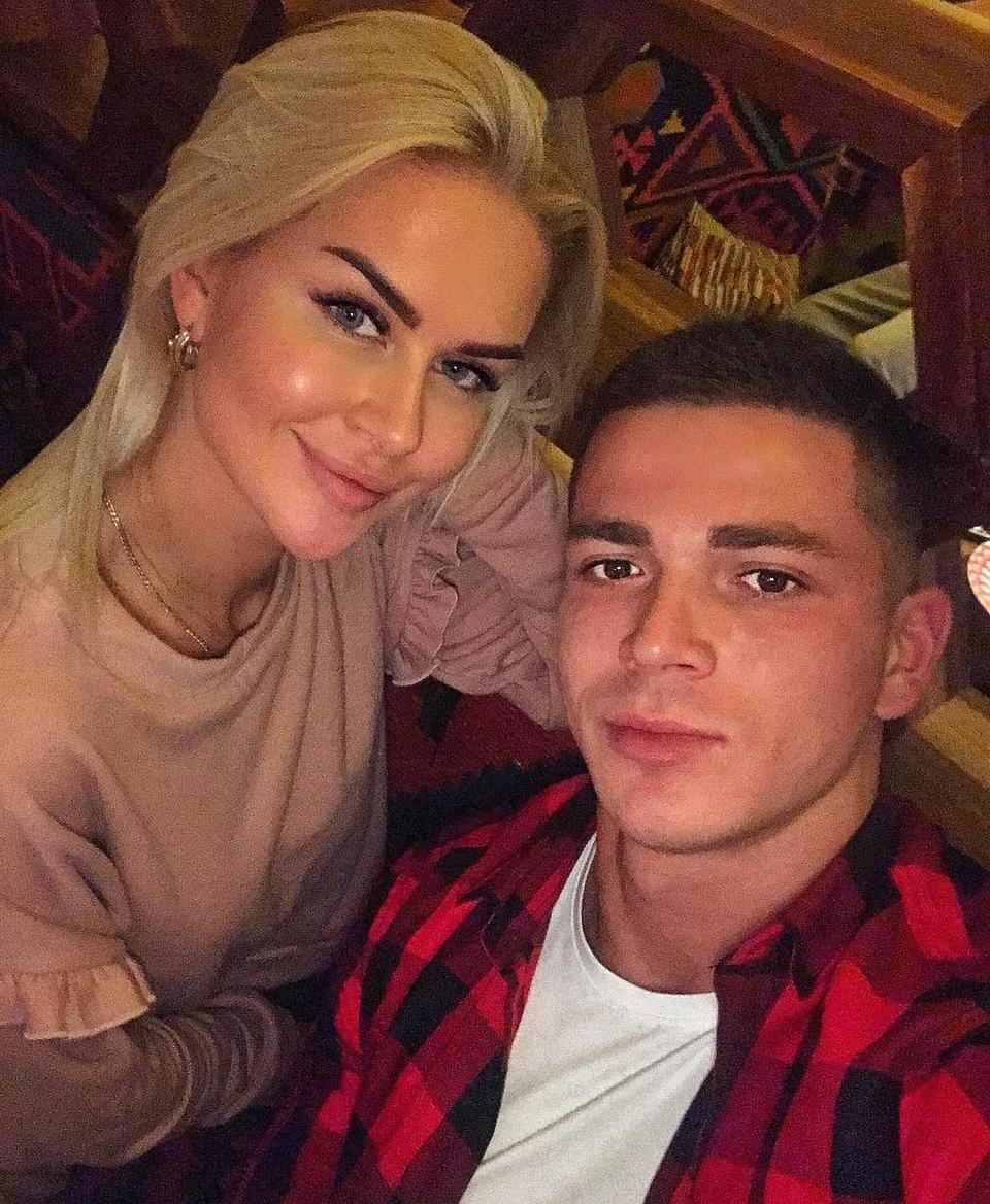 Марина Африкантова и Роман Капаклы попали в серьезное ДТП
