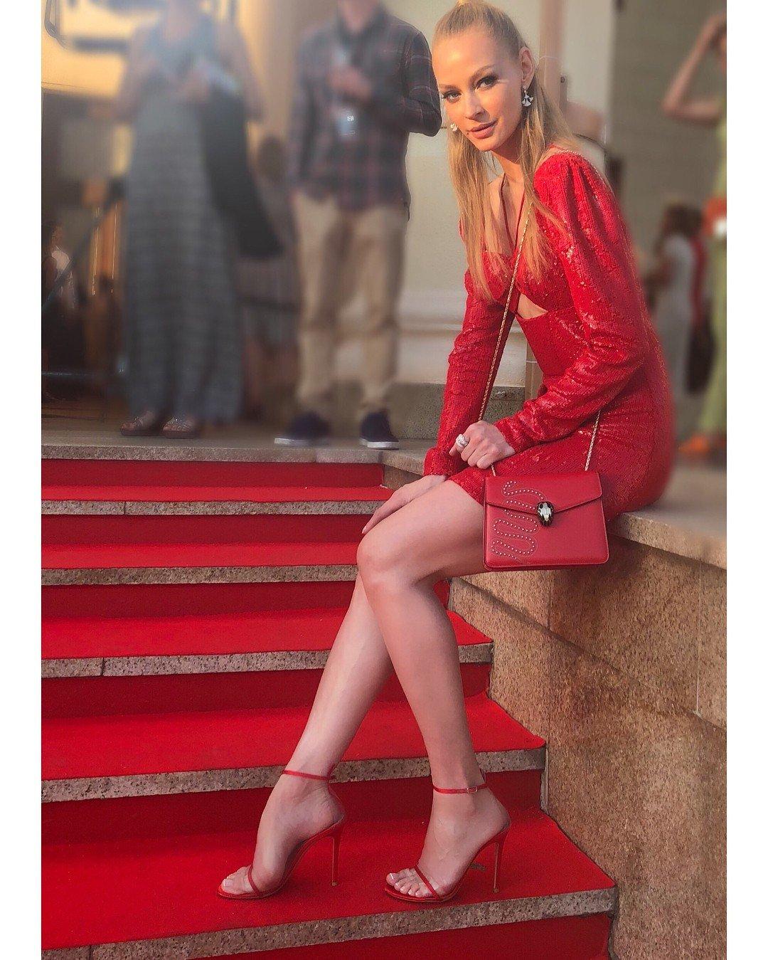 В СМИ появились слухи о беременности Светланы Ходченковой