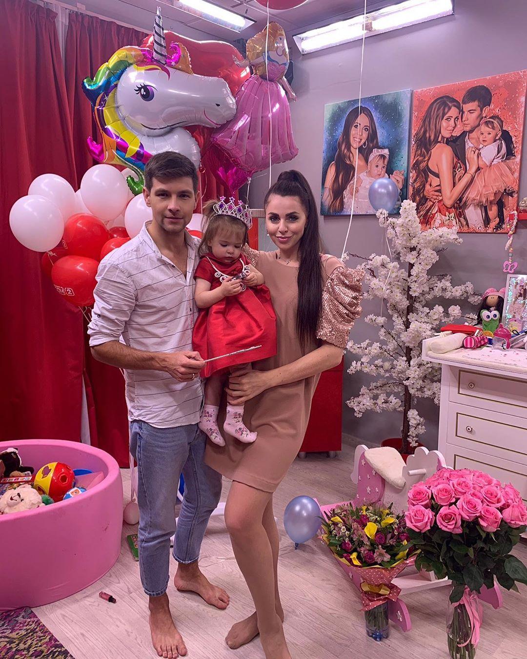 Еще одна Рапунцель: участница «Дома-2» подтвердила вторую беременность