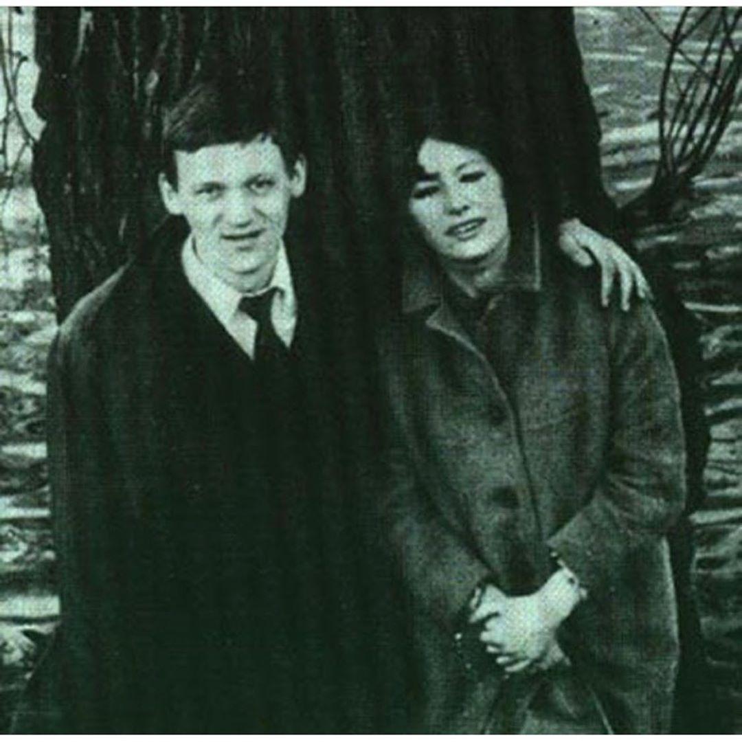 Молодые и влюбленные: Кристина Орбакайте показала архивное фото родителей в день юбилея отца
