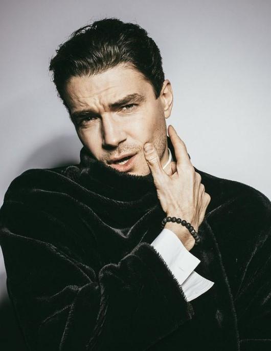 Как после бешеной сушки: Максим Матвеев продемонстрировал обнаженный торс