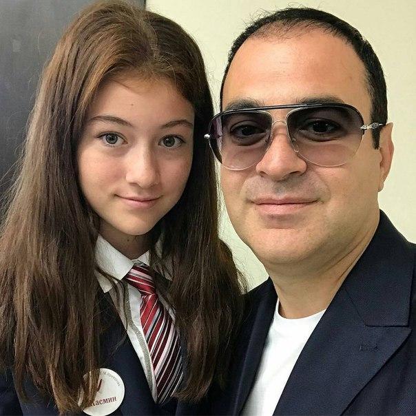 Вся в отца! Гарик Мартиросян показал фото повзрослевшей дочери в день ее рождения