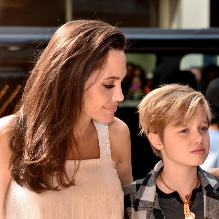 Дочь Анджелины Джоли и Брэда Питта официально сменила имя на мужское
