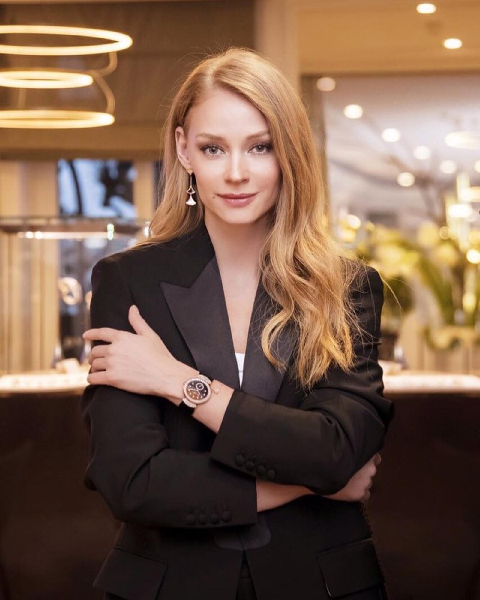 Почти Волочкова! Светлана Ходченкова продемонстрировала потрясающую растяжку