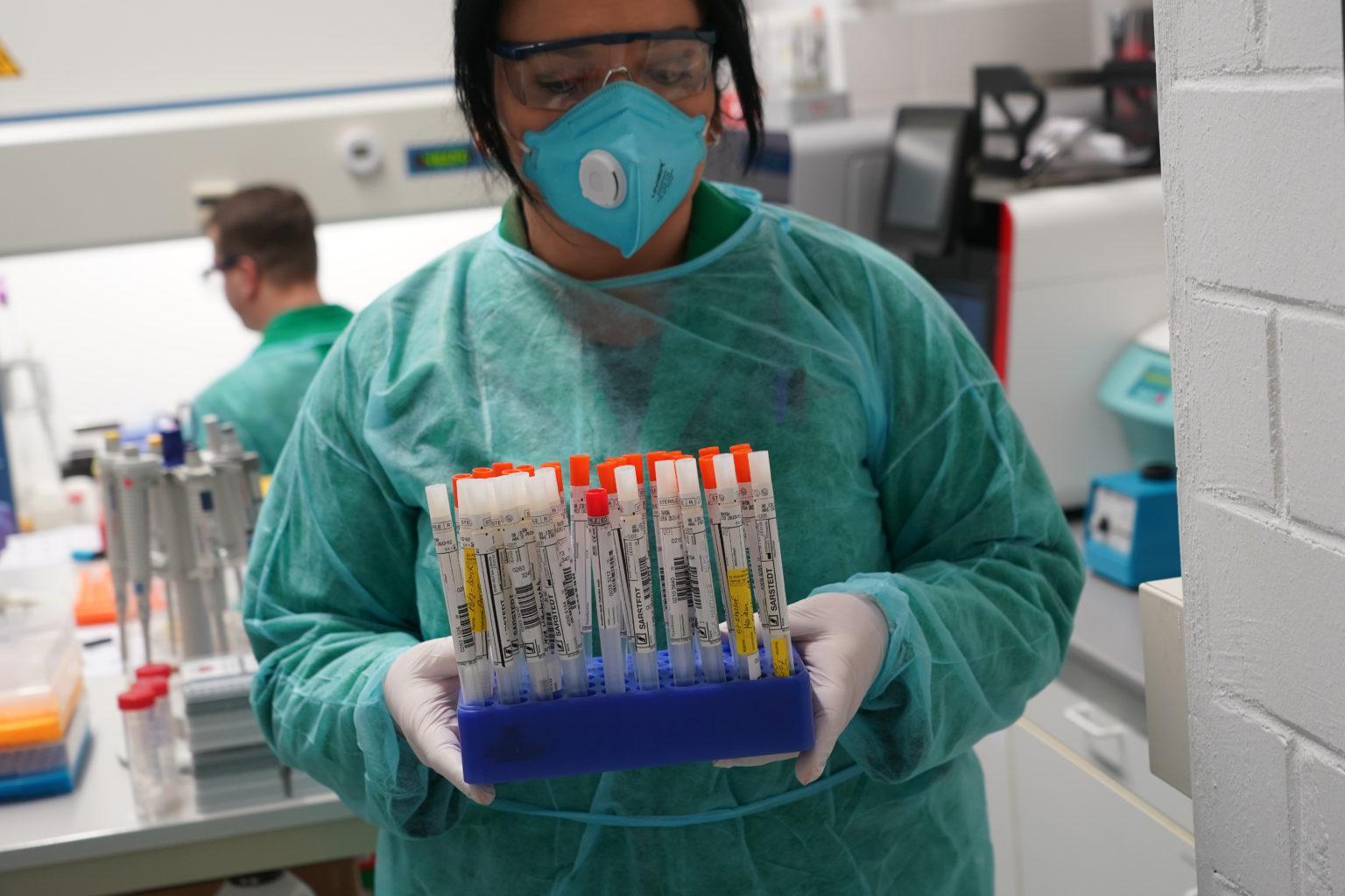 Китайские ученые уверяют, что заразиться коронавирусом легче всего дома