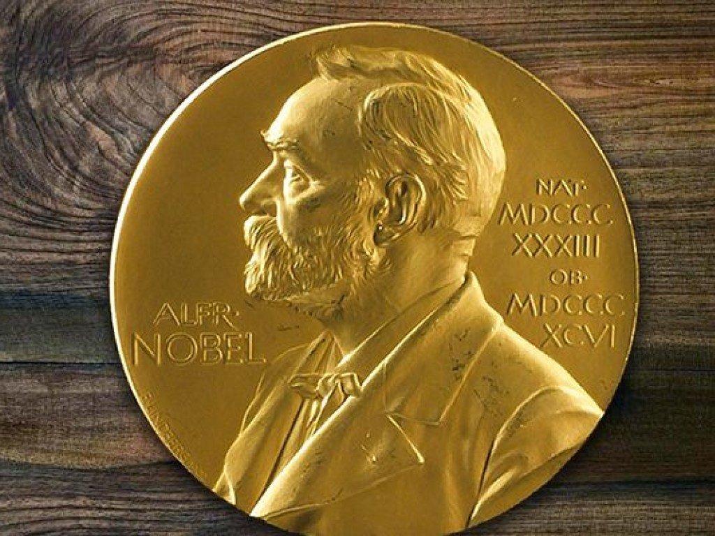 Названы лауреаты Нобелевской премии по литературе за два года