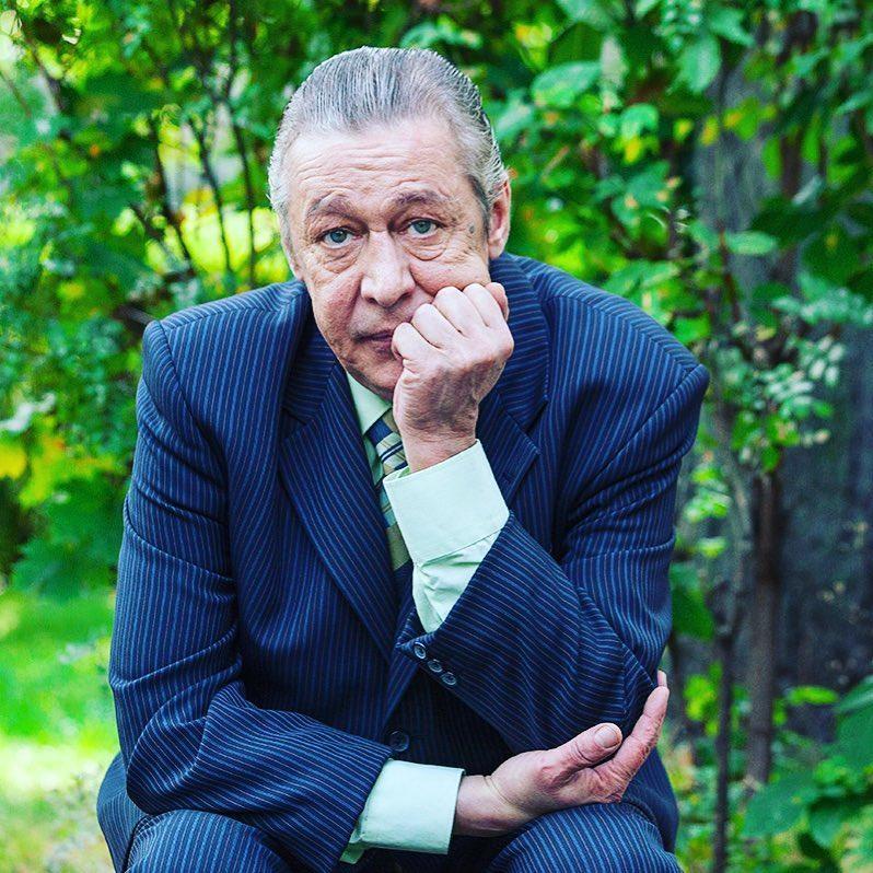 По моей вине погиб хороший мужик! Михаил Ефремов написал послание вдове погибшего Сергея Захарова