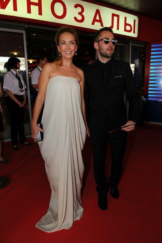 Вечернее платье Жанны Фриске станет главным лотом благотворительного аукциона