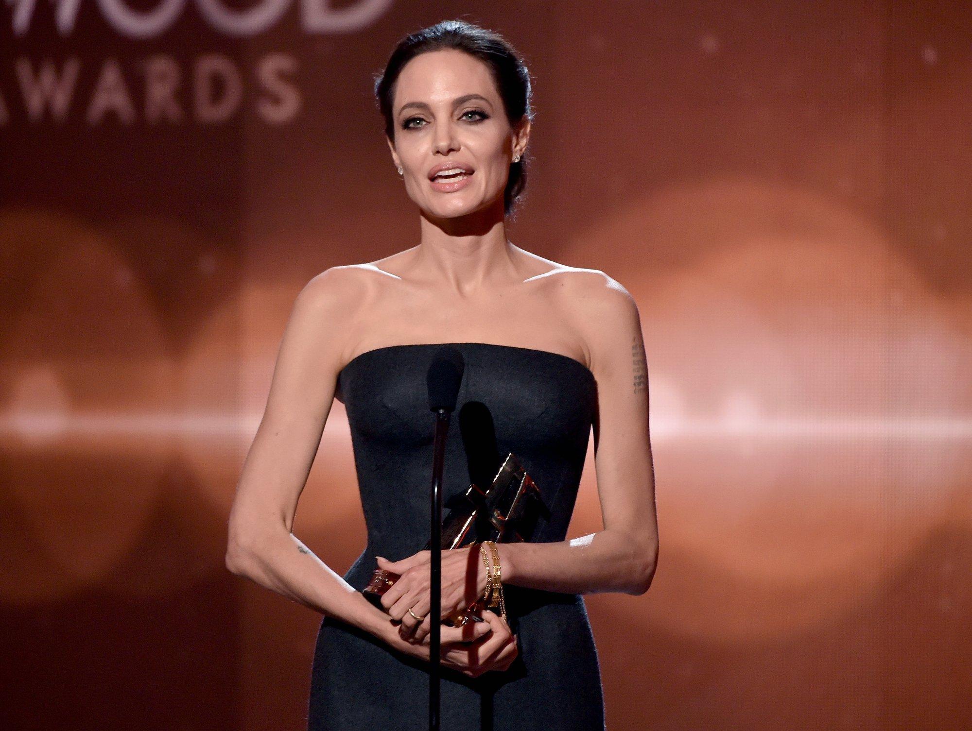 Анджелина Джоли в период анорексии