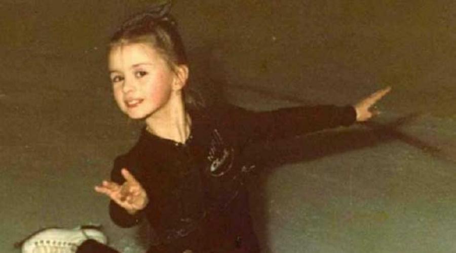 Анна Семенович в детстве