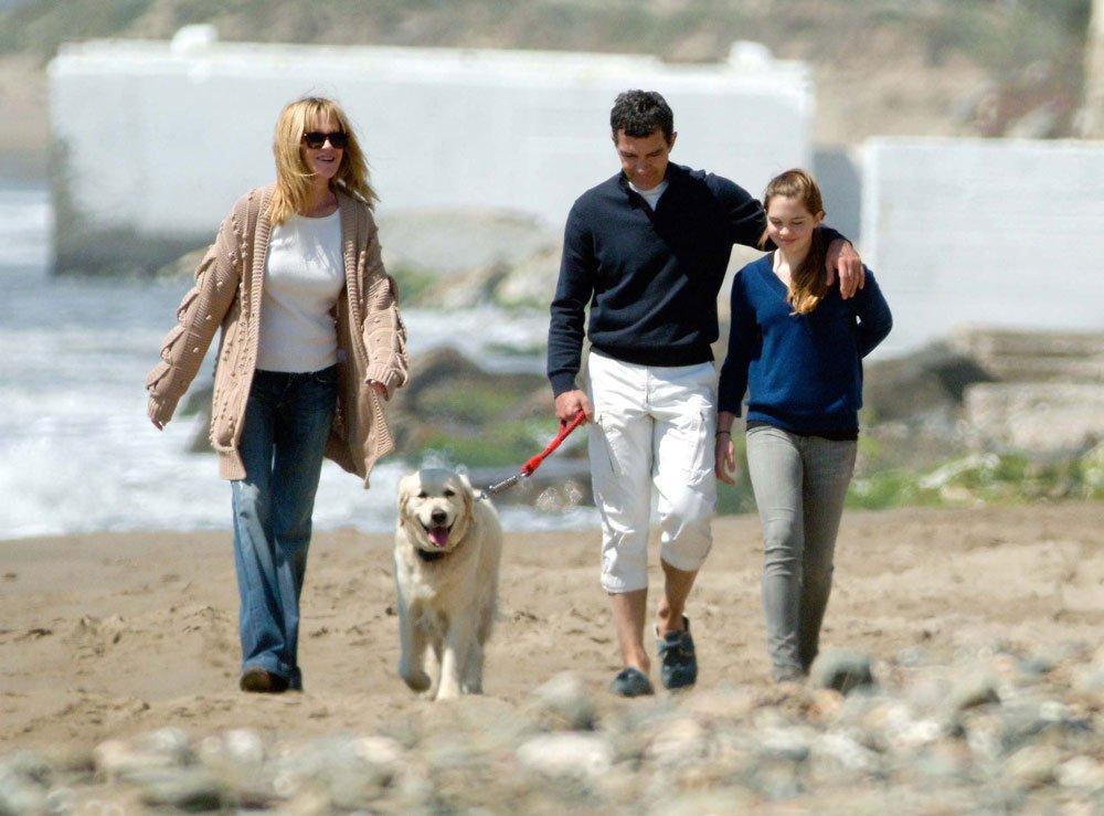 Антонио Бандерас с семьей