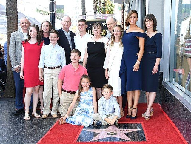 близкие друзья и семья Дженнифер Гарнер